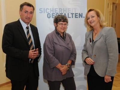 Copyright: BMI/Egon WEISSHEIMER, 07.09.2010 Wen, Fachgespräch aus dem Inneren mit FBM Maria FEKTER